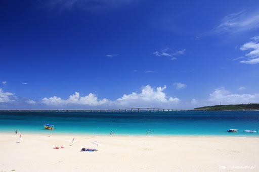 宮古島の青い空と青い海