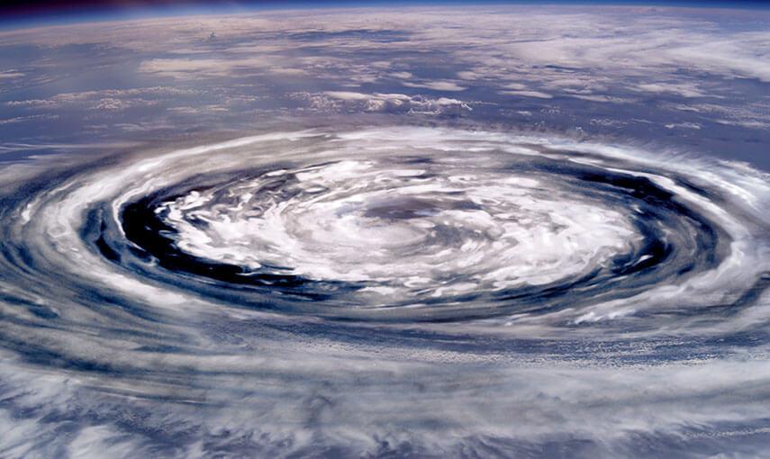 台風の目画像